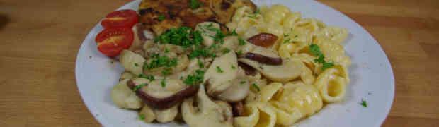 Kotelett an Steinpilzen mit Gnocchi Pasta